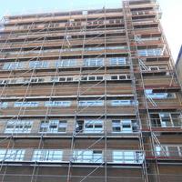 ECHAFAUDAGE EN FACADE ARRIERE DIFFICILE D ACCES A ETTERBEEK