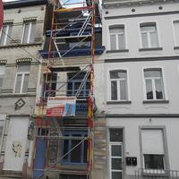 Echafaudage d'accès à la toiture.