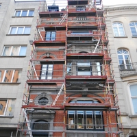 Echafaudage pour le sablage de la façade