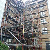 Plate Forme d'échafaudage afin de permettre la rénovation de la toiture de l'Hotel Ibis